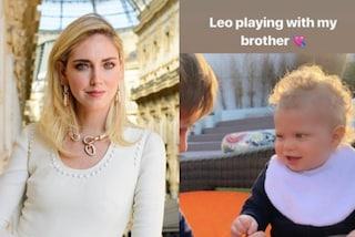 """Chiara Ferragni ha un fratello: sui social accanto a Leone spunta il bambino """"misterioso"""""""