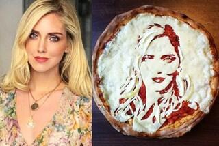 Arriva la pizza di Chiara Ferragni: il volto della fashion influencer è disegnato sulla pasta