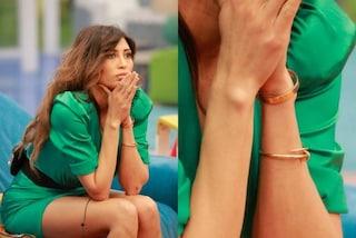 Mila Suarez al Grande Fratello 16, al braccio indossa bracciali da 18mila euro