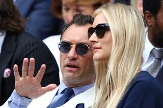 Il matrimonio di Jude Law e Phillipa Coan: la sposa in minigonna, lo sposo con la t-shirt
