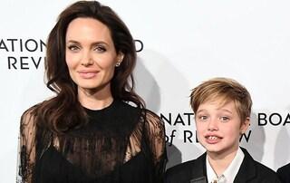 """Shiloh Jolie Pitt compie tredici anni, mamma Angelina le regala una festa """"horror"""""""
