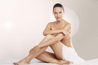 Come scegliere la ceretta: i metodi e i consigli per una depilazione perfetta