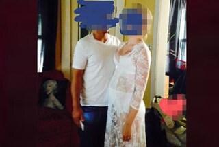 """La sposa con le mutande """"da nonna"""", lo sposo in jeans: i look di nozze più originali al mondo"""