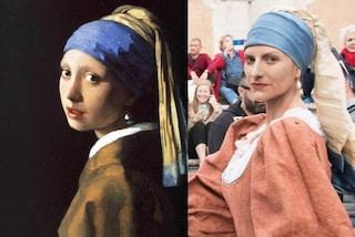 """Laura Pausini come la """"Ragazza con l'orecchino di perla"""": la trasformazione è impressionante"""
