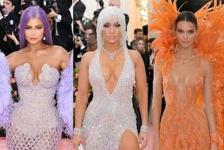 I look del Met Gala 2019: J.Lo con capelli di cristallo, Kendall e Kylie con le piume