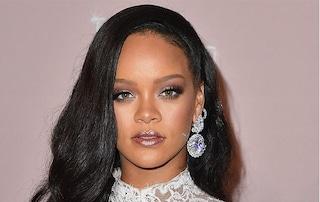 Fenty by Rihanna, le prime foto della collezione e il pop up store mandano i fan in delirio