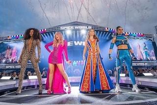 Le Spice Girls sono tornate: tutine leopardate, minigonne e zeppe per la prima data del tour