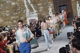 Salvatore Ferragamo ritorna alle origini, sfila in piazza a Firenze durante il Pitti Uomo