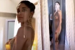 Belén Rodriguez nuda, mette il seno in mostra con l'abito di rete senza intimo