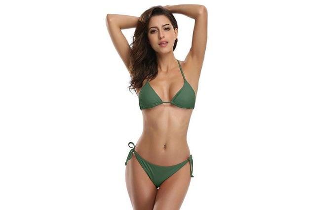Bikini SHEKINI a triangolo con laccetti e coppe estraibili, a partire da 16,99€ su Amazon