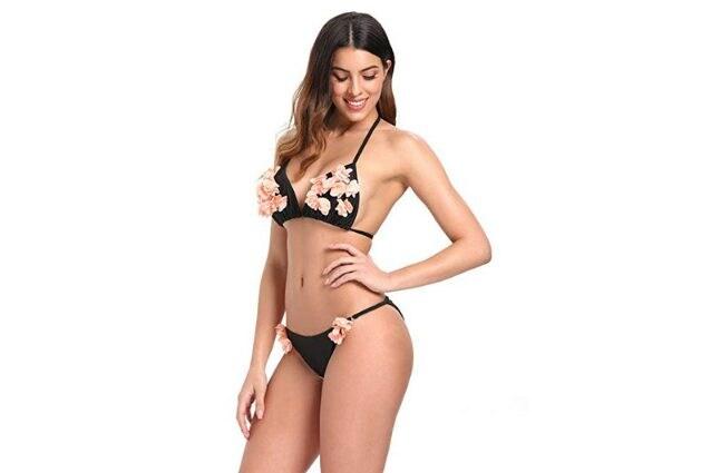 Bikini donna con triangolo e chiusura con laccetti, applicazioni in tulle rosa, a partire da 19,99€ su Amazon