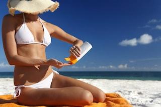 Etichette delle creme solari: come leggerle correttamente
