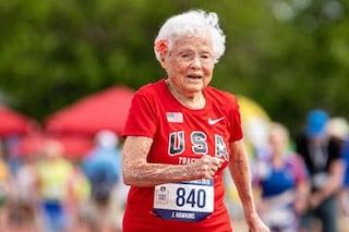 Julia, la nonna campionessa di corsa: a 103 anni dimostra che nulla è impossibile