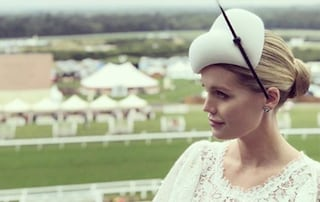 Kitty Spencer in bianco al Royal Ascot: la nipote di Lady D ruba la scena a Kate Middleton