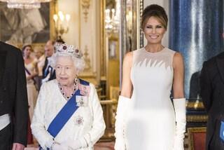 Tutte in bianco al gala per Trump, Melania e la regina Elisabetta sfoggiano look coordinati