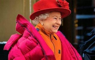 I meme della moda colpiscono tutti, da Gigi Hadid alla Regina Elisabetta
