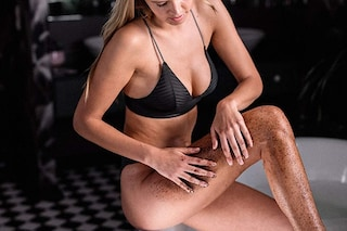 Scrub corpo: come si usa, quali sono i migliori e gli ingredienti per l'esfoliazione