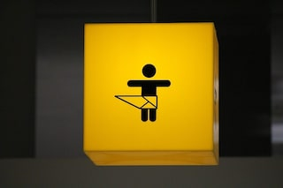 In aeroporto arriva il baby pit-stop: poltrona per allattare e fasciatoio per mamme viaggiatrici