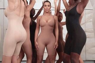 Kim Kardashian diventa stilista: lancia la linea di intimo modellante, è pioggia di critiche sul web