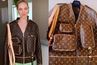Chiara Ferragni in estate con la giacca di pelle, ecco quanto costa il capo di lusso