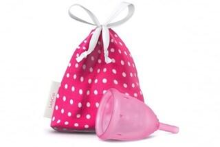 La coppetta mestruale evita le perdite, è efficace e sicura quanto gli assorbenti