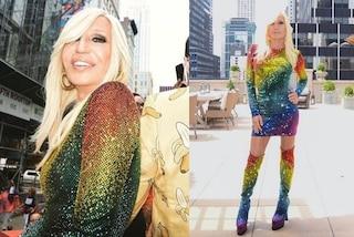 Donatella Versace e Lady Gaga, gli abiti arcobaleno per il Pride di New York