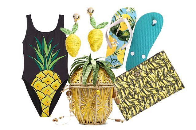 costume H&M, orecchini Stradivarius, Ananas bag Mango, pochette Prada, infradito Ynot