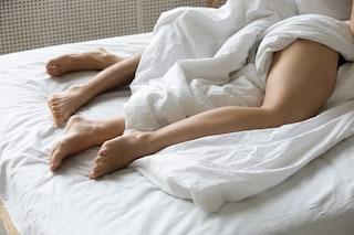 Dormire nudi fa bene: 7 benefici per mente e corpo