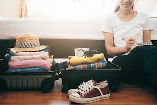 Come fare la valigia perfetta per le vacanze: i consigli per prepararla senza stress