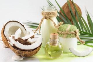 Olio di cocco per capelli: quale scegliere e come utilizzarlo per averli lucidi e forti