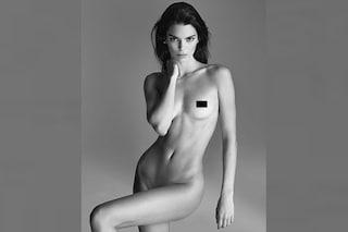 "Kendall Jenner nuda sui social: posa senza veli ma si ""auto-censura"""