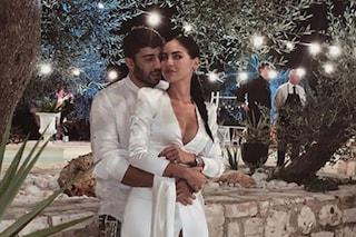 Giulia De Lellis in bianco come una sposa (sexy) per il compleanno di Andrea Iannone