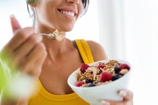 A che ora mangiare per dimagrire: gli orari giusti per non ingrassare