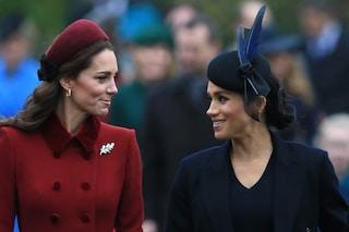 Meghan Markle e Kate Middleton comunicano su WhatsApp: la Royal Family avrebbe una chat di gruppo