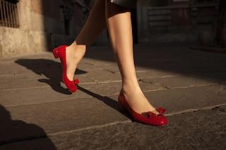La Vara di Ferragamo, a 40 anni dalla nascita l'iconico fiocco è ancora simbolo di femminilità