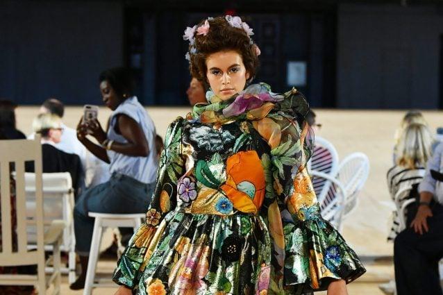 Marc Jacobs chiude la New York Fashion Week: in passerella trionfa la gioia di vivere