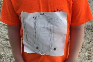 """Bullizzato per la t-shirt """"fatta a mano"""", ora il disegno del bambino è il logo della squadra"""