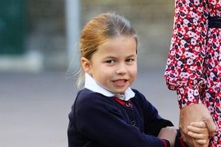 """La piccola Charlotte a scuola ha già un soprannome, la chiamano """"principessa guerriera"""""""