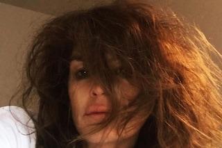 Cindy Crawford spettinata e col trucco sbavato, il selfie appena sveglia fa impazzire i fan