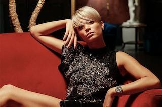Milano Fashion Week 2019: Elodie come una diva conquista tutti con l'abito di paillettes