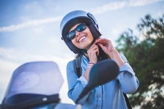 Capelli e casco: i consigli per averli perfetti anche in moto