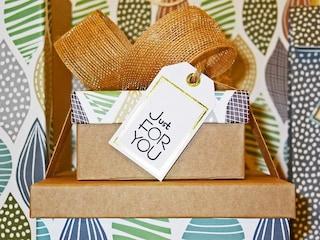Ignorare la lista nozze ed evitare i soldi: i consigli per fare il regalo giusto in ogni occasione