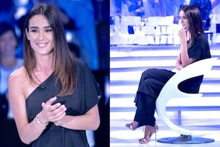 Silvia Toffanin in nero a Verissimo: per la seconda puntata tuta monospalla e sandali metallici