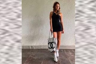 Stella Bossari con la borsa Chanel e il tubino, la figlia di Daniele e Filippa Lagerback è trendy