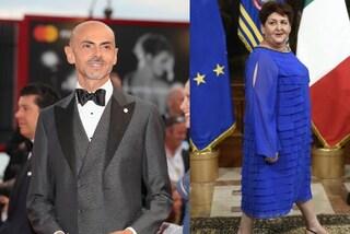 Teresa Bellanova in blu con le balze il giorno del giuramento: Enzo Miccio approva il look