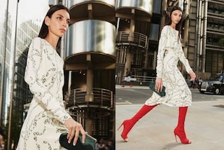 """Victoria Beckham: la modella della nuova campagna è troppo magra, il web si indigna: """"Sembra malata"""""""