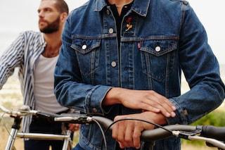 L'iconica giacca di jeans di Levi's diventa tecnologica: permette di usare lo smartphone dal polsino