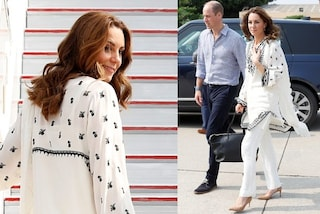 Kate Middleton cambia stile in Pakistan, capelli ondulati e borsa maxi per il viaggio in aereo
