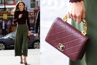Kate Middleton ama le griffe: il look è low-cost ma la mini borsa vale più di 3mila euro