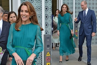 Kate Middleton regina di stile in verde: l'abito con le maniche trasparenti è sold-out in poche ore